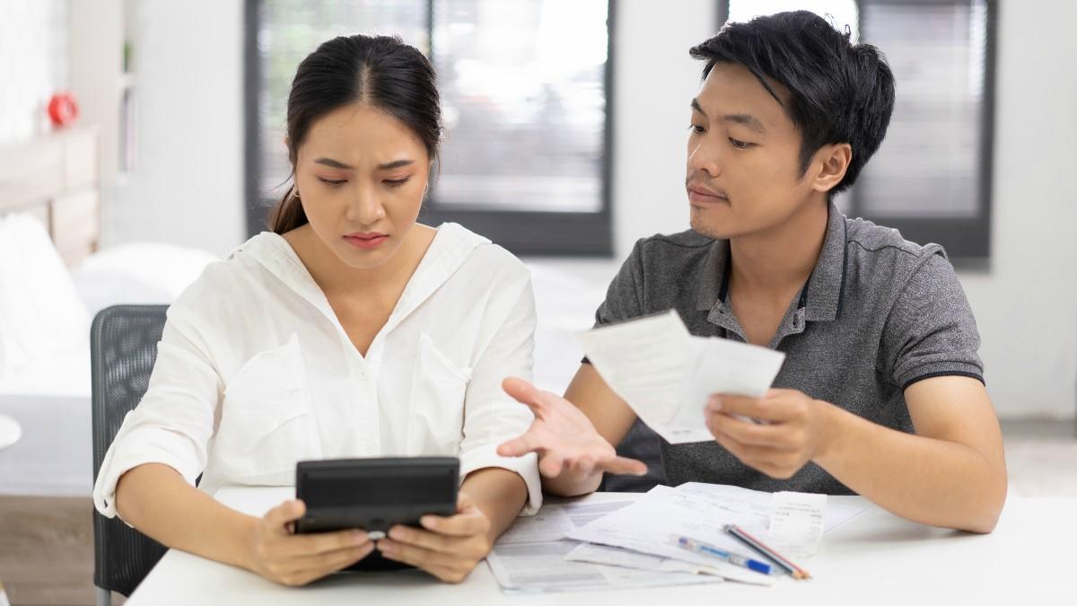 gaji suami dan istri